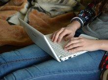 Żądał pieniędzy. Groził, że opublikuje w sieci intymne zdjęcia olsztyńskiej studentki
