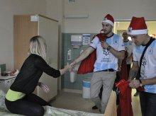 W Mikołajki piłkarze Stomilu odwiedzili pacjentów Szpitala Dziecięcego (zdjęcia)
