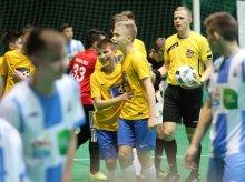 Młodzi piłkarze z Polski i zagranicy walczą w Stomil Cup [ZDJĘCIA]