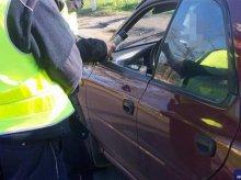 Pokłócił się z żoną i pijany potrącił ją autem