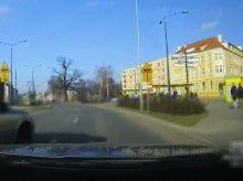 Agresywny kierowca i jego drogowa ''kreatywność'' [FILM]