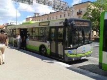 Korekty rozkładów jazdy autobusów i nowe przystanki na Sprzętowej