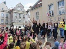 Taneczny flash mob na olsztyńskiej starówce [ZDJĘCIA]