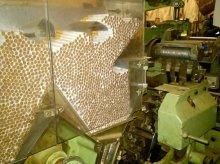 CBŚ z Olsztyna zamknęło jedną z największych fabryk nielegalnych papierosów [FOTO]