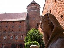 Sfinks na olsztyńskim zamku [ZDJĘCIA]
