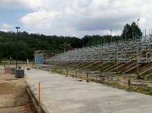 Budują stadion nad jeziorem Ukiel [ZDJĘCIA]