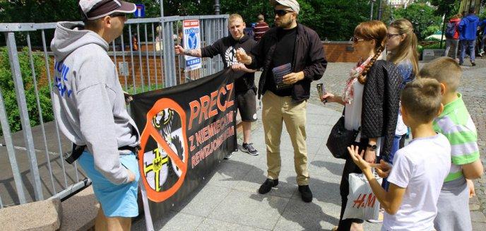 Narodowcy protestowali przeciwko ''niemieckiemu rewizjonizmowi'' [ZDJĘCIA]