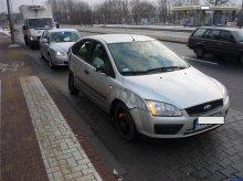 Nie chciał wydawać na lawetę, więc rozbitym autem podróżował po Olsztynie