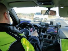 Pokazał policjantom prawo jazdy starszego o 15 lat brata. Olsztynianin słono za to zapłaci