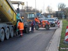 Drogowcy łatają dziurawe ulice. Sprawdź, gdzie napotkasz na utrudnienia