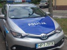 Policjanci z Olsztyna testują radiowozy z napędem hybrydowym