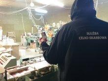 Olsztyńskie CBŚ zlikwidowało nielegalną wytwórnię papierosów. Ukraińcy mieli tam nawet sypialnie