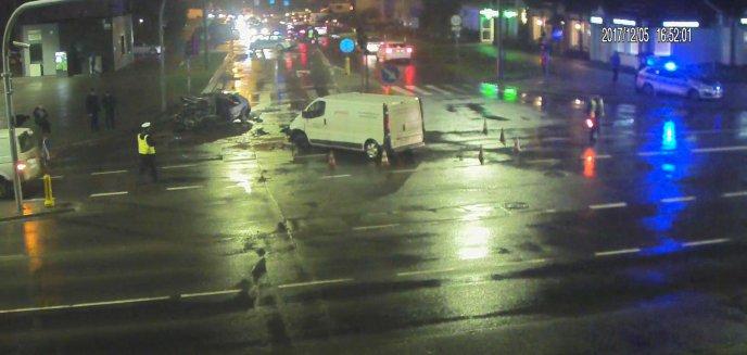 Czołówka na skrzyżowaniu Kanta-Witosa. 31-latek w stanie ciężkim trafił do szpitala