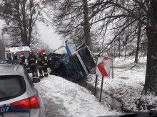 Kierowca nie mógł wydostać się z auta. Pomogli strażnicy graniczni