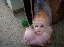 Wpadli po kradzieży... gumowej lalki z sex shopu