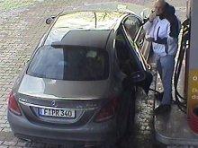 Policja szuka tego mężczyzny. To złodziej, który kradł paliwo