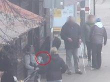 Okradł pijanego mężczyznę leżącego na przystanku