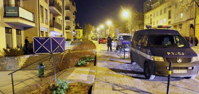 Tragedia na ulicy Kościuszki w Olsztynie. Z balkonu wypadł mężczyzna [ZDJĘCIA, AKTUALIZACJA]