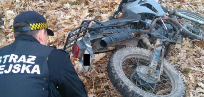 Porzucony motocykl na Letniej i wrak na Reymonta