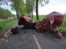Cudem przeżyli. Auto rozpadło się na kawałki