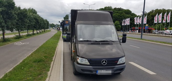 Zderzenie busa z autobusem komunikacji miejskiej na ulicy Sikorskiego [ZDJĘCIA]