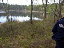 24-latek chciał iść na skróty. Ugrzązł na mokradłach w okolicy Starego Olsztyna