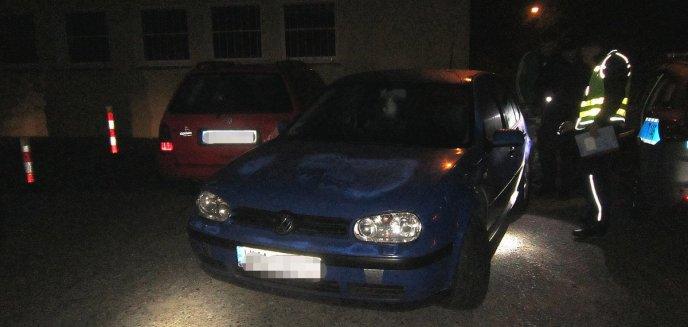 Pijany ''chciał tylko przeparkować auto'', a uszkodził dwa kolejne