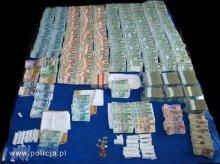 Wyłudzili VAT na ponad 23 mln złotych!