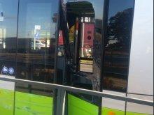 Volkswagen zderzył się z tramwajem. Utrudnienia na ulicy Tuwima [ZDJĘCIA]