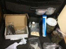Wsiadł za kierownicę pod wpływem trzech narkotyków i... bez prawa jazdy