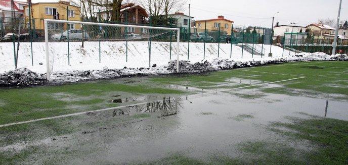 Zalane boisko na Dajtkach. Odwołany mecz z Sokołem Ostróda