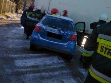 Wypadek w Warkałach. Kierowca ciężarówki wpadł w poślizg i zderzył się z toyotą