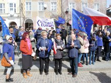 ''Wolna Polska europejska''. W Olsztynie śpiewali ''Odę do radości'' [ZDJĘCIA, WIDEO]