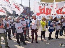 Urzędnicy także walczą o godne płace. Trwają rozmowy z rządem
