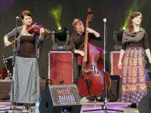 Wieczór Folkowy na pięciolecie Muzycznych Inhalacji
