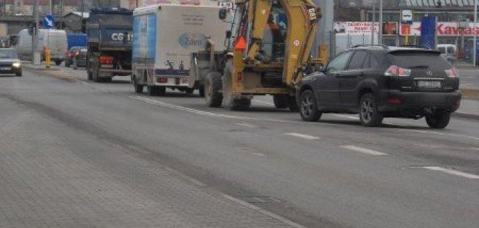 Artykuł: Więcej fotoradarów, mniej zielonych strzałek i likwidacja przejść dla pieszych. Kiedy zniknie błędna polityka drogowa?
