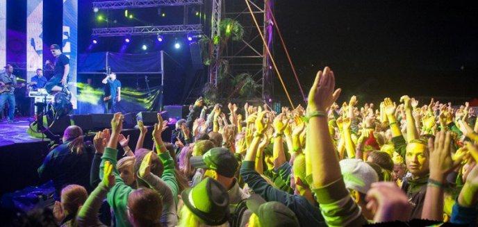 """Artykuł: Camper """"Warmiak"""" i festiwal reggae promują region"""