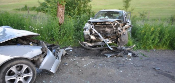 Wypadek na trasie Wilkasy - Grabowo. Cztery osoby w szpitalu