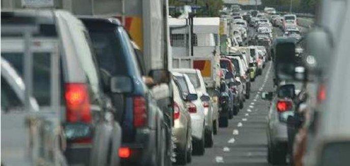 Artykuł: Uwaga kierowcy! Drogowcy zajęli pas ruchu na ul. Tuwima