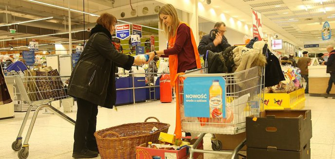 Artykuł: Trwa Wielkanocna Zbiórka Żywności [ZDJĘCIA]