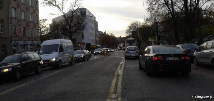 Artykuł: Miasto chce zbudować duży parking w Śródmieściu. Społecznicy krytykują plan