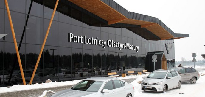 Artykuł: Lotnisko Olsztyn-Mazury zasypane. Pasażerowie po raz kolejny lądowali w Warszawie