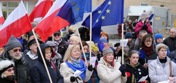 Artykuł: Na olsztyńskiej starówce śpiewali ''Odę do radości'' [ZDJĘCIA, WIDEO]
