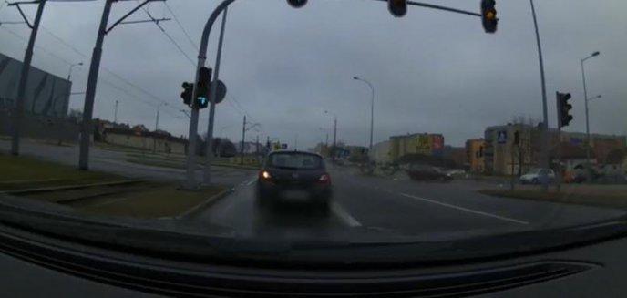 Artykuł: Pirat drogowy ukarany. 23-latek pędził po mieście 130 km/h