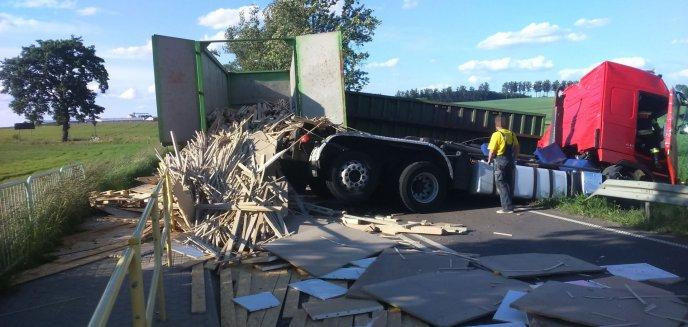 Poważny wypadek ciężarówki