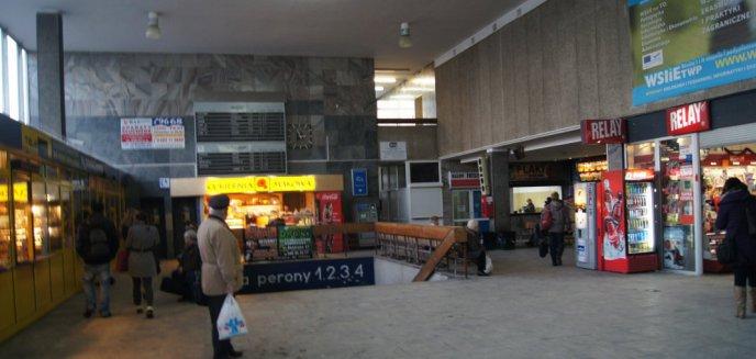 Artykuł: Walczą o to, by olsztyński dworzec był zabytkiem. Tymczasem na peronach kolejny ''wodospad'' [ZDJĘCIA]