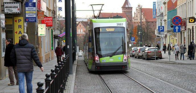 Artykuł: Zmiany w ulgach dla pasażerów komunikacji miejskiej. Kto dopłaci do przejazdów?