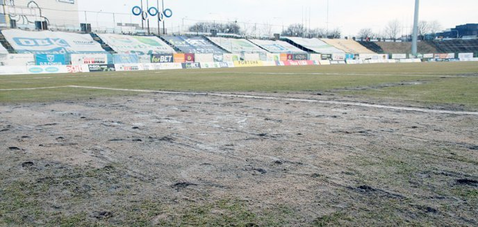 Artykuł: Nowa murawa stadionu kiełbasą wyborczą? ''Cuda się zdarzają, szczególnie w roku wyborczym''