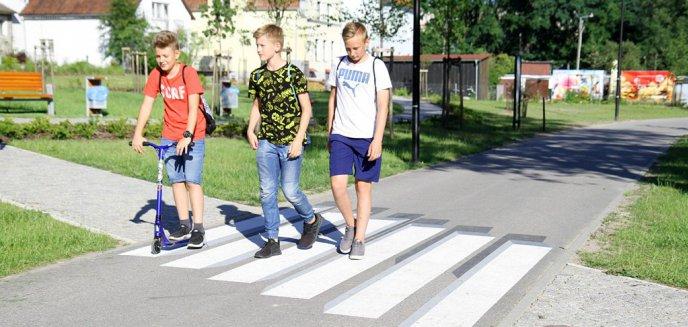 Artykuł: Na Warmii powstało pierwsze w Polsce trójwymiarowe przejście dla pieszych [ZDJĘCIA]