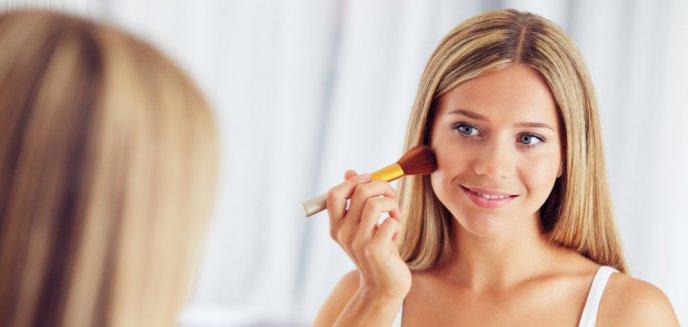 Artykuł: Strobbing – letni hit makijażowy
